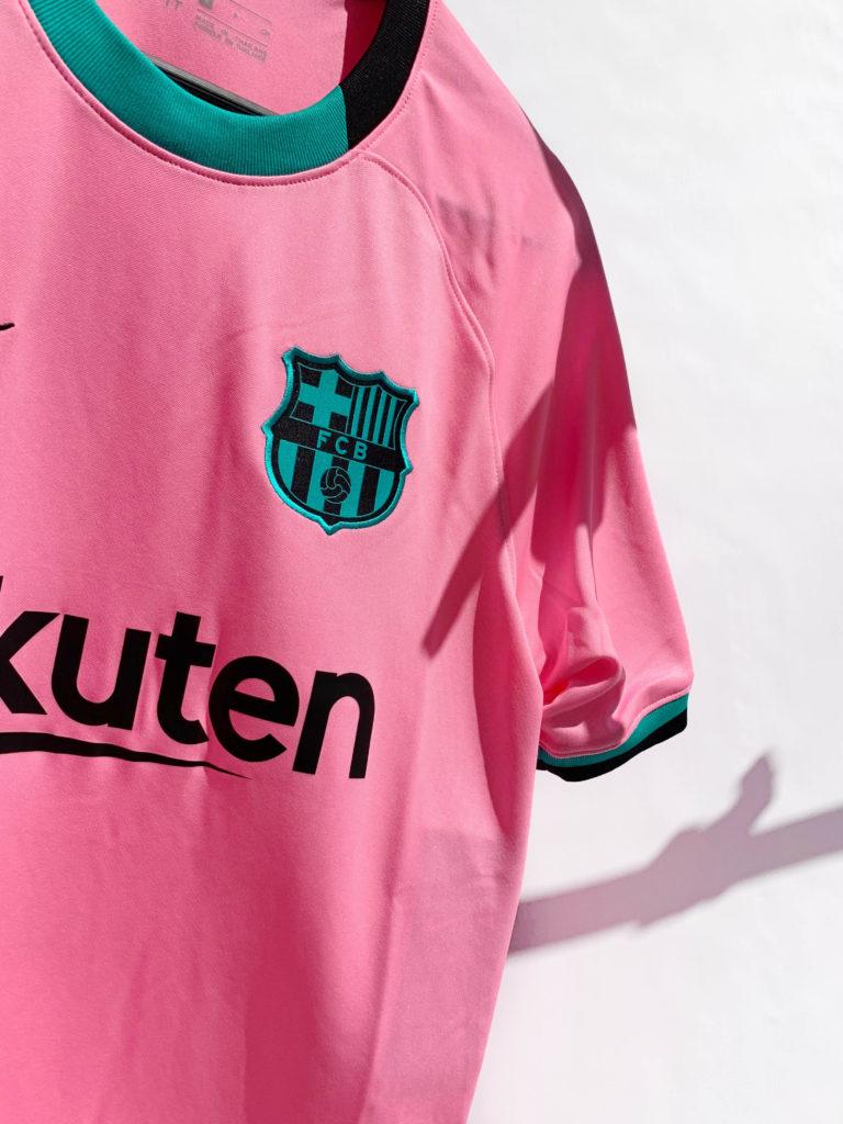 tercera equipación del club catalán para temporada 20/21 la liga champions league
